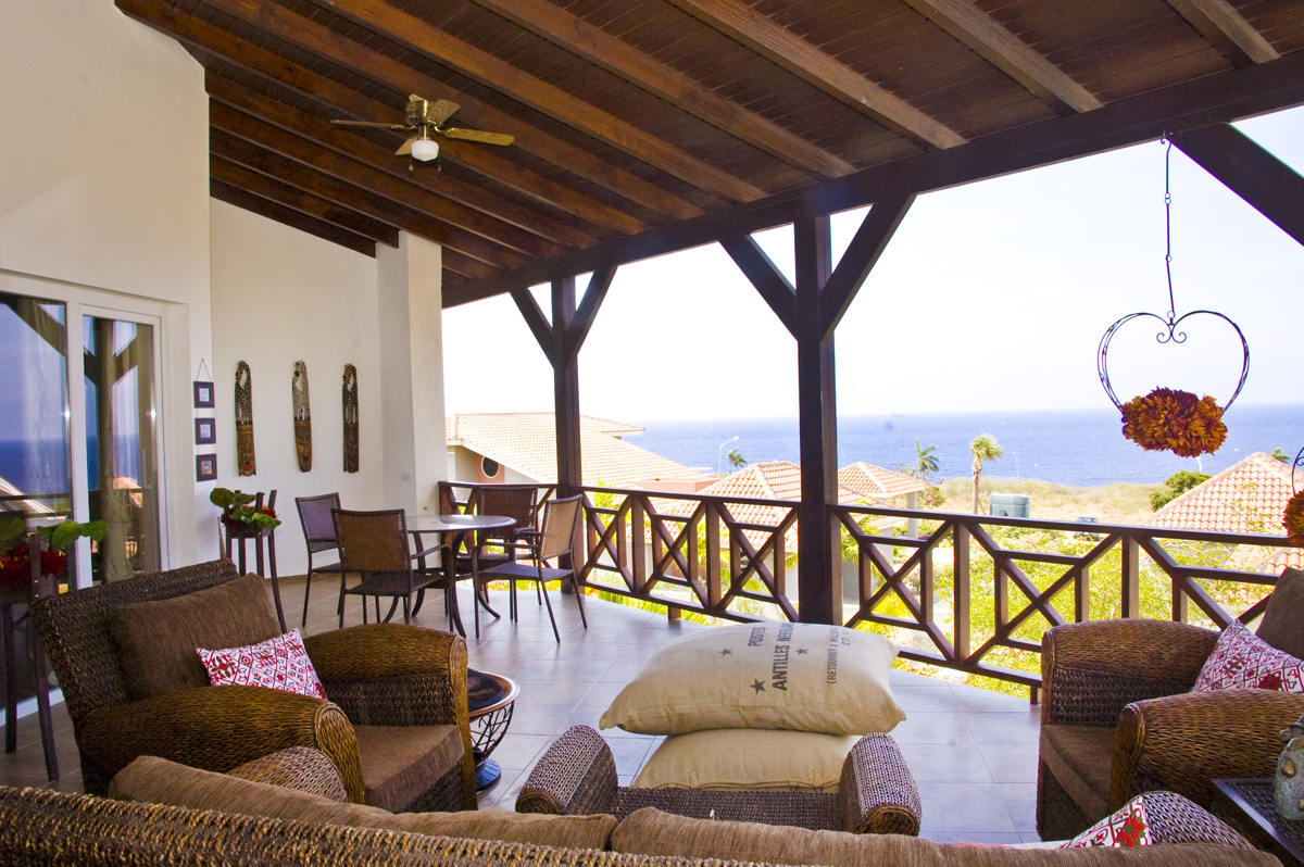 Porch met Uitzicht Penthouse Appartement - Residence LeBleu - Blue Bay Curacao